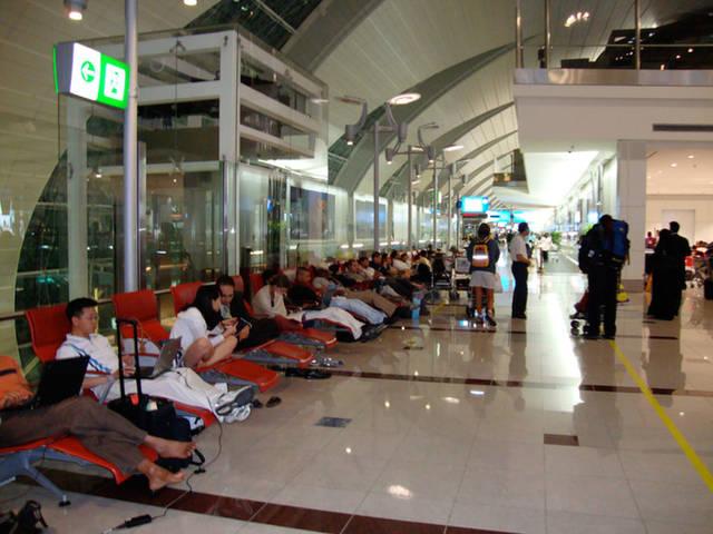داخل مطار دبي