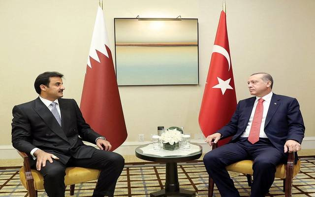 أمير قطر يبحث مع الرئيس التركي تطورات الأحداث بسوريا