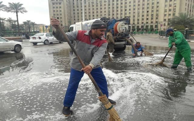 دفع 80 عربة لشفط مياه الأمطار بالقاهرة
