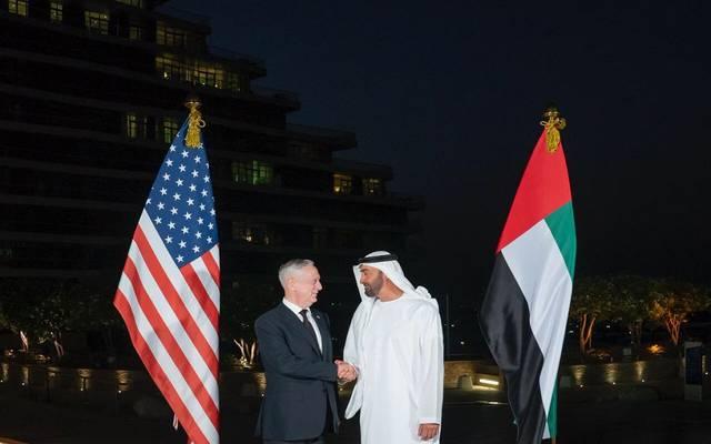 ولي عهد أبوظبي خلال استقبال وزير الدفاع الأمريكي