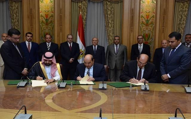 جانب من توقيع اتفاقية تأسيس شركة موانع التسريب
